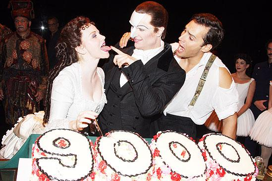Phantom 9000 performance – Jennifer Hope Wills – John Cudia – Ryan Silverman
