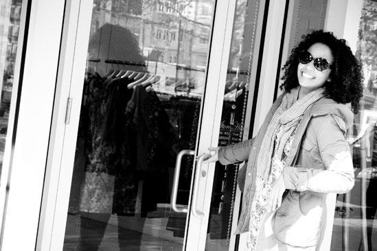 Ragtime shopping – Stephanie Umoh (door)