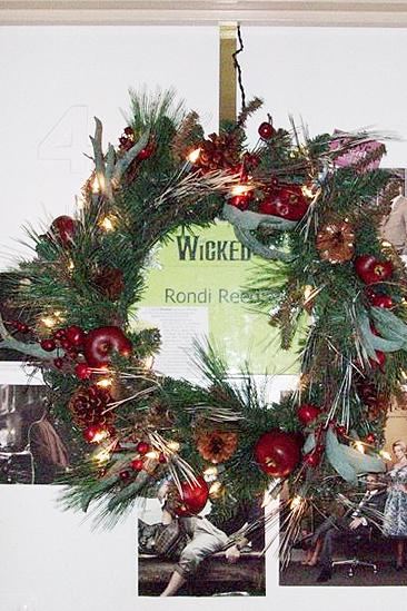 Rondi Reed Seasonal Snapshots at Wicked – wreath