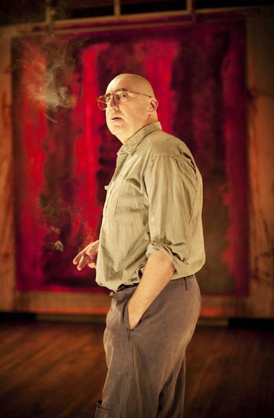 Red - show photos - Alfred Molina (2)