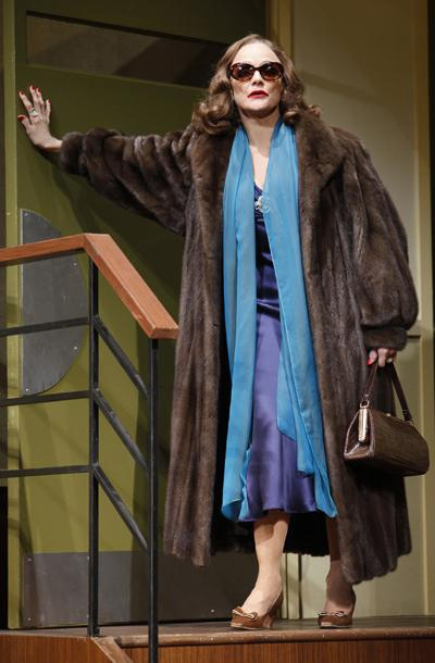 Show Photos - Looped - Valerie Harper (2)