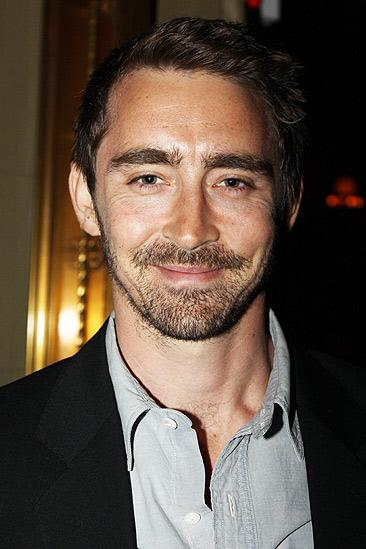 Red opening – Lee Pace