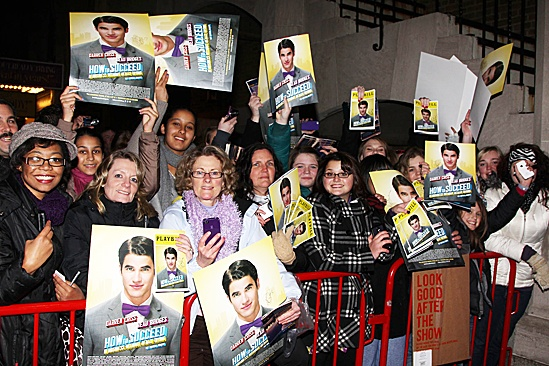 How to Succeed – Darren Criss Final – fans