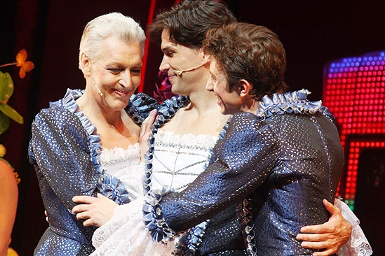 Priscilla Opening in Toronto – cc – Tony Sheldon – Will Swenson – Nick Adams (hug)