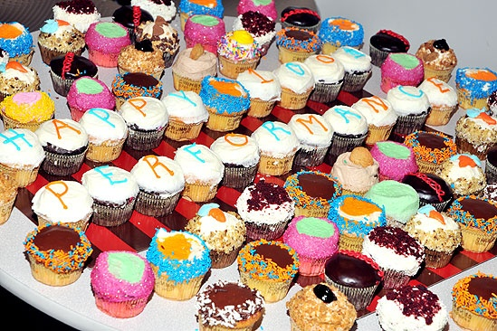 &lt;i&gt;Anything Goes&lt;/i&gt; 100th Show  cupcakes 