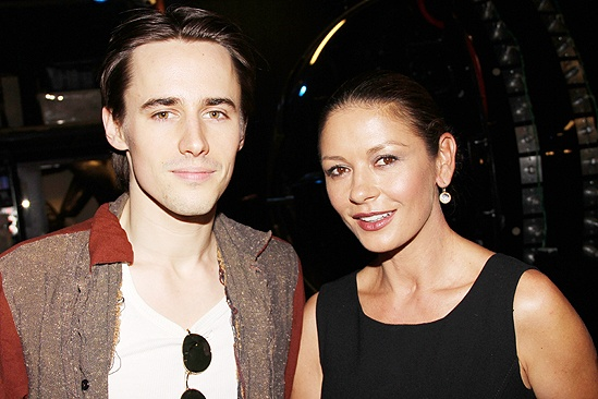 Zeta-Jones Spider- Reeve Carney - Catherine Zeta-Jones
