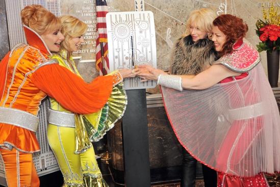 Mamma Mia Empire State Building – Judy Craymer – Lisa Brescia – Jennifer Perry – Judy McLane (switch 2)