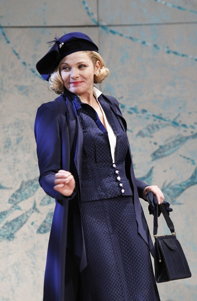 Show Photos - Private Lives - Kim Cattrall