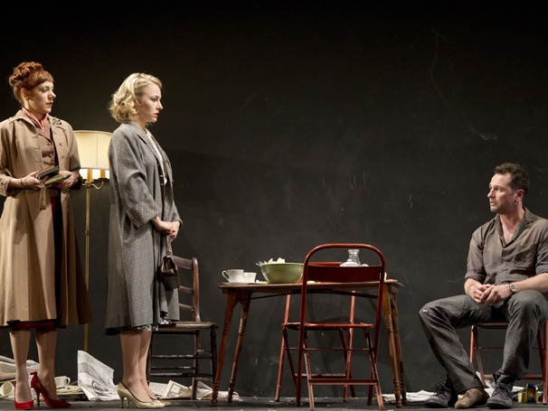 Show Photos - Look Back in Anger - Charlotte Parry - Sarah Goldberg - Matthew Rhys