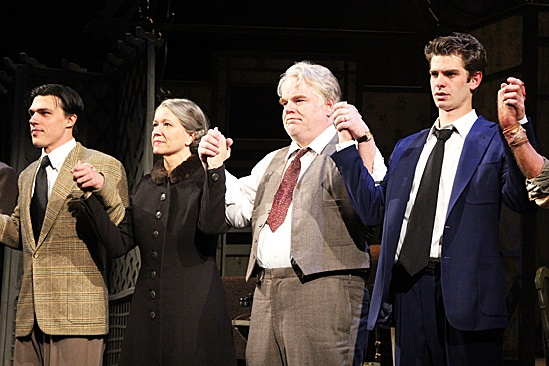Death of a Salesman - Finn Wittrock, Linda Emond, Philip Seymour Hoffman and Andrew Garfield