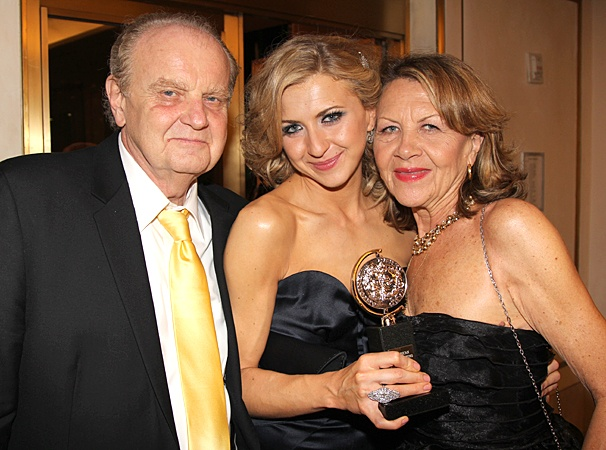 2012 Tony Ball – Nina Arianda – parents