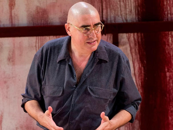 Show Photos - Red - Alfred Molina