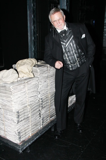 Newsies- Ron Raines