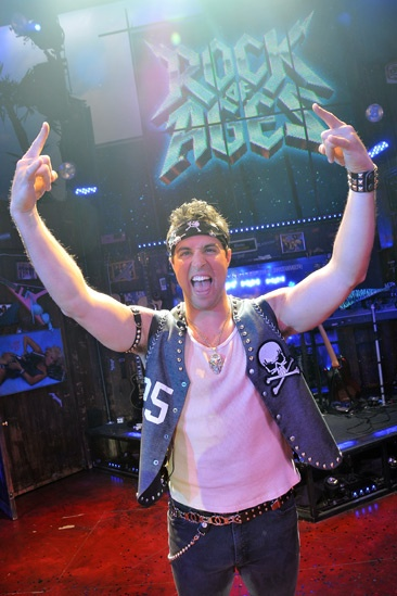 Rock of Ages – Mark Teixeira Cameo – Mark Teixeira