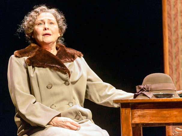 Show Photos - Glass Menagerie - Cherry Jones