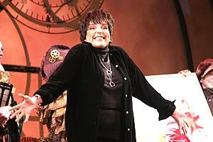 Liza Minnelli at Wicked - Liza Minnelli (onstage)