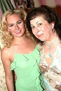 Laura Bell Fans at Wicked - Laura Bell Bundy - Winnie Holzman