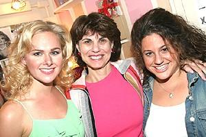 Laura Bell Fans at Wicked - Laura Bell Bundy - Margo Lion - Marissa Jaret Winokur