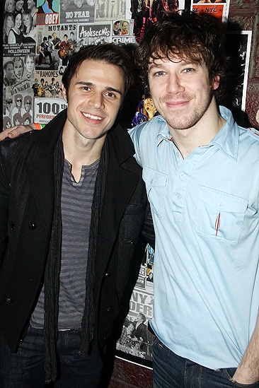 Kris Allen Idiot – Kris Allen – John Gallagher Jr.