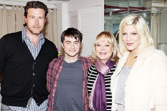Tori Spelling Visits Daniel Radcliffe – Dean McDermott – Daniel Radcliffe – Candy Spelling – Tori Spelling