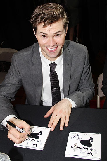 Mormon signing – Andrew Rannells