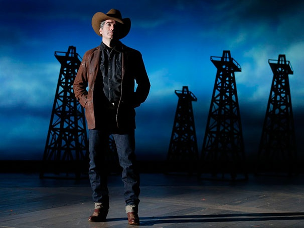 Show Photos - Giant - Brian d'Arcy James