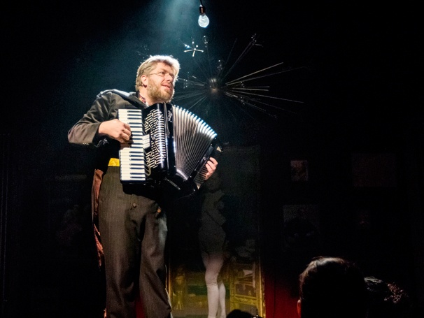 Show Photos - Natasha, Pierre and the Great Comet of 1812 - Dave Malloy