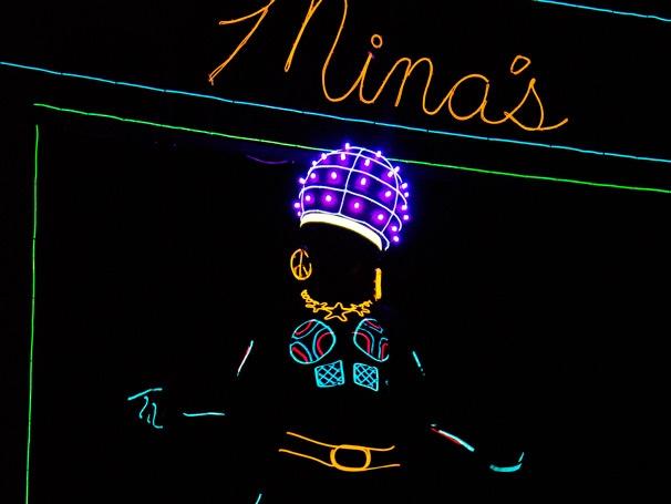 Show Photos - iLuminate: Artist of Light - Cast