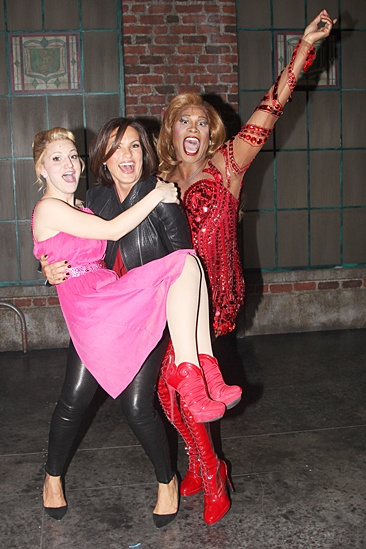 Mariska Hargitay at Kinky Boots – Annaleigh Ashford – Mariska Hargitay – Billy Porter (lift)
