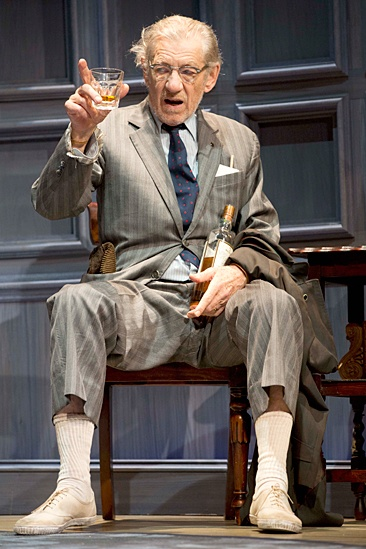 <I>No Man's Land</I>: Show Photos - Ian McKellen