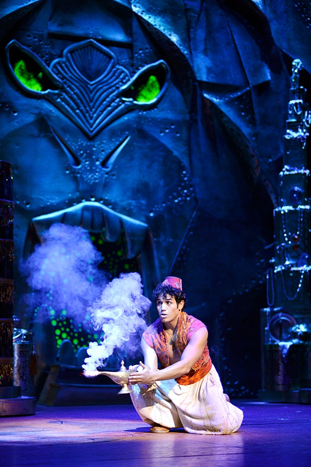 Broadwaycom Photo 1 Of 8 Aladdin Show Photos