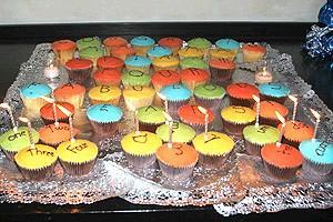 Pawk/Dossett Mamma Mia party - cupcakes