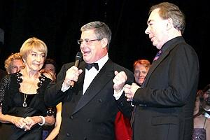 Phantom Record Breaking Party - Gillian Lynne - Cameron Mackintosh - Andrew Lloyd Webber (curtain)