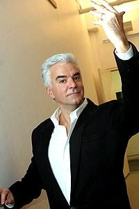 "Chicago Givens O'Hurley Press Event - John O'Hurley - ""take a look at a winner"""