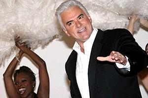 Chicago Givens O'Hurley Press Event - John O'Hurley - singing