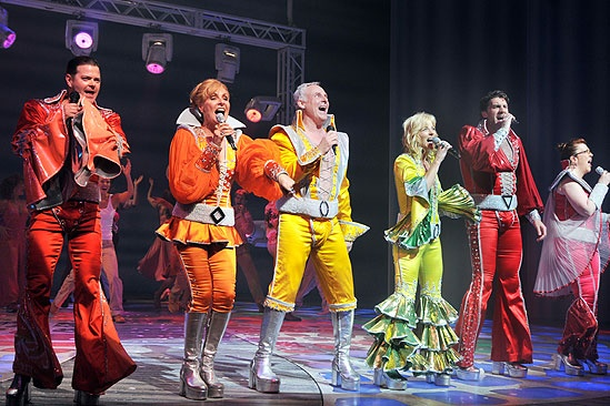 Mamma Mia! 4,000th Performance – curtain call