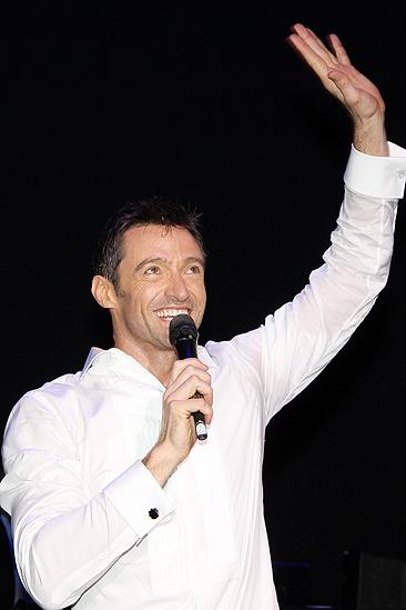 Hugh Opens – Hugh Jackman