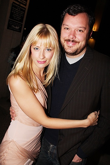 Beth Behrs with cool, Boyfriend Michael Gladis