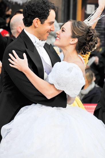 Cinderella at Macy&#39;s Parade - Santino Fontana- Laura Osnes 