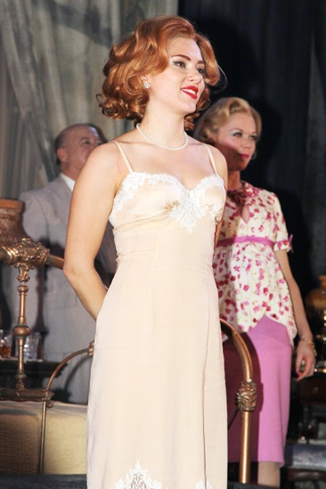 Cat on a Hot Tin Roof – opening – Scarlett Johansson