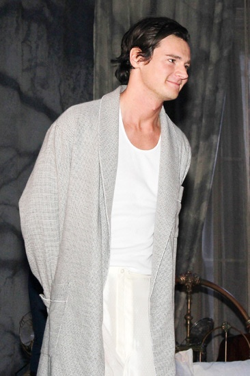 Cat on a Hot Tin Roof  opening  Benjamin Walker