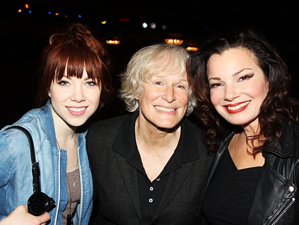 Carly Rae Jepsen - Glenn Close - Fran Drescher