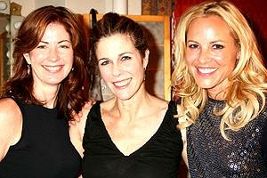 Photo Op - Rita Wilson greets stars at Chicago - Dana Delany - Rita Wilson - Maria Bello