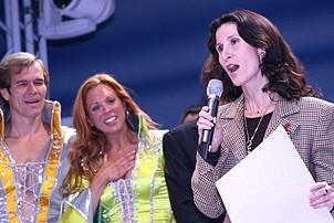 Photo Op - Mamma Mia! Fifth Anniversary - cc - Katherine Oliver qith proclamation (NYC Mayor's Office)