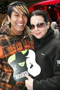 Photo Op - Wicked Day 2006 - Kenway Hon Wai K. Kue - Jenna Leigh Green