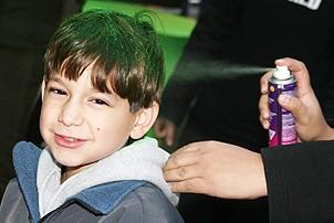 Photo Op - Wicked Day 2006 - boy with spray on green hair