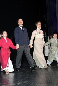 Photo Op - Mary Poppins Opening - cc - Katherine Leigh Doherty - Daniel Jenkins - Rebecca Luker - Matthew Gumley