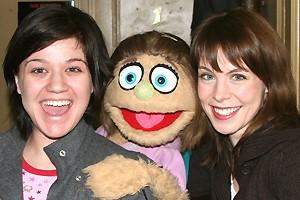 Photo Op - Kelly Clarkson at Avenue Q - Kelly Clarkson - Kate Monster - Mary Faber