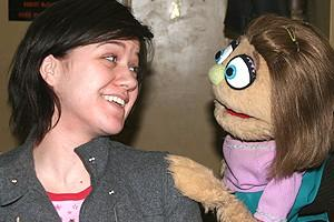 Photo Op - Kelly Clarkson at Avenue Q - Kelly Clarkson - Kate Monster (talking)