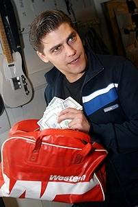 Photo Op - Jersey Boys in SF - Deven May (bag of money)
